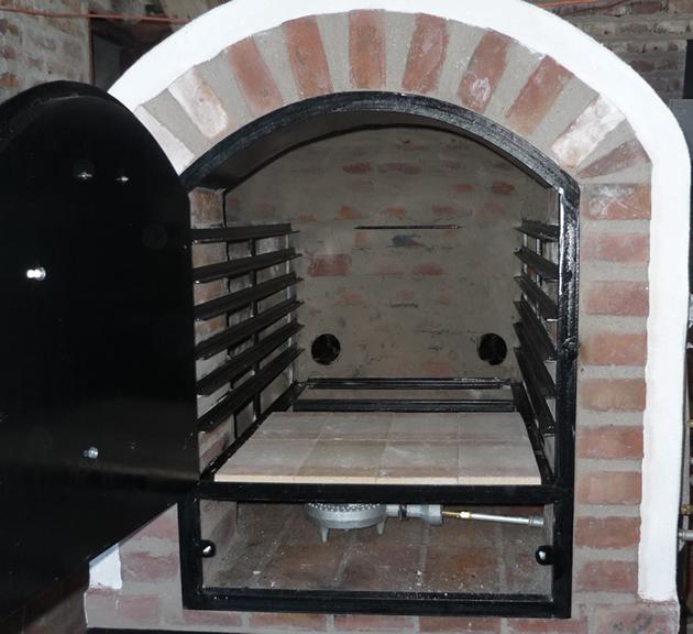 Hornos de barro a le a y a gas artesanales tatacu horno for Fogones rusticos en ladrillo