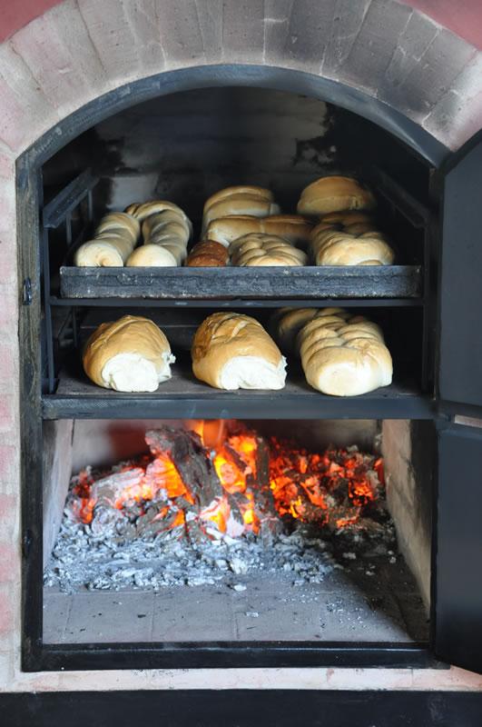 Hornos de barro a le a y a gas artesanales tatacu for Medidas de hornos pequenos
